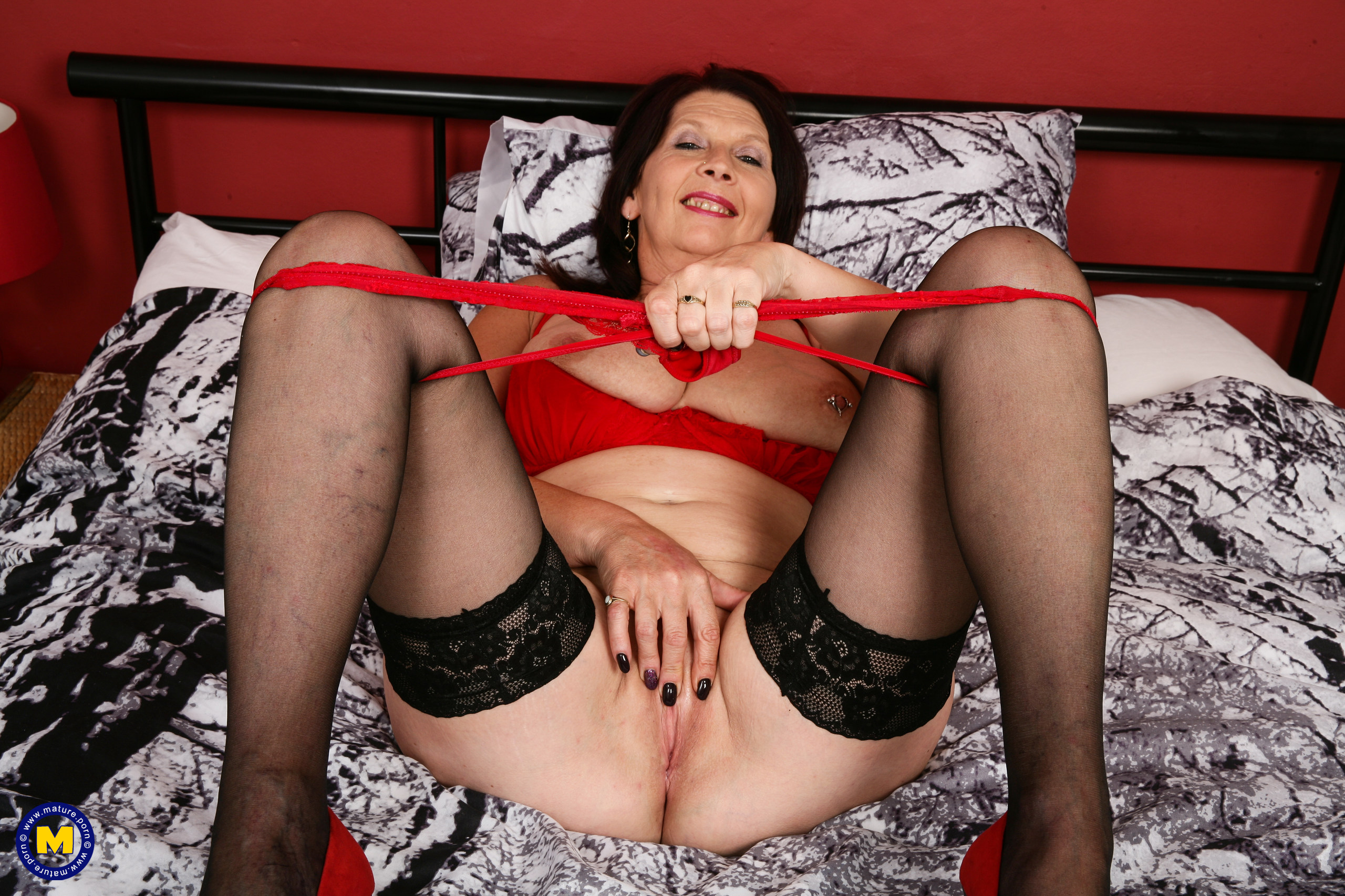 Kinky mature mega-bitch from the UK getting humid and horny