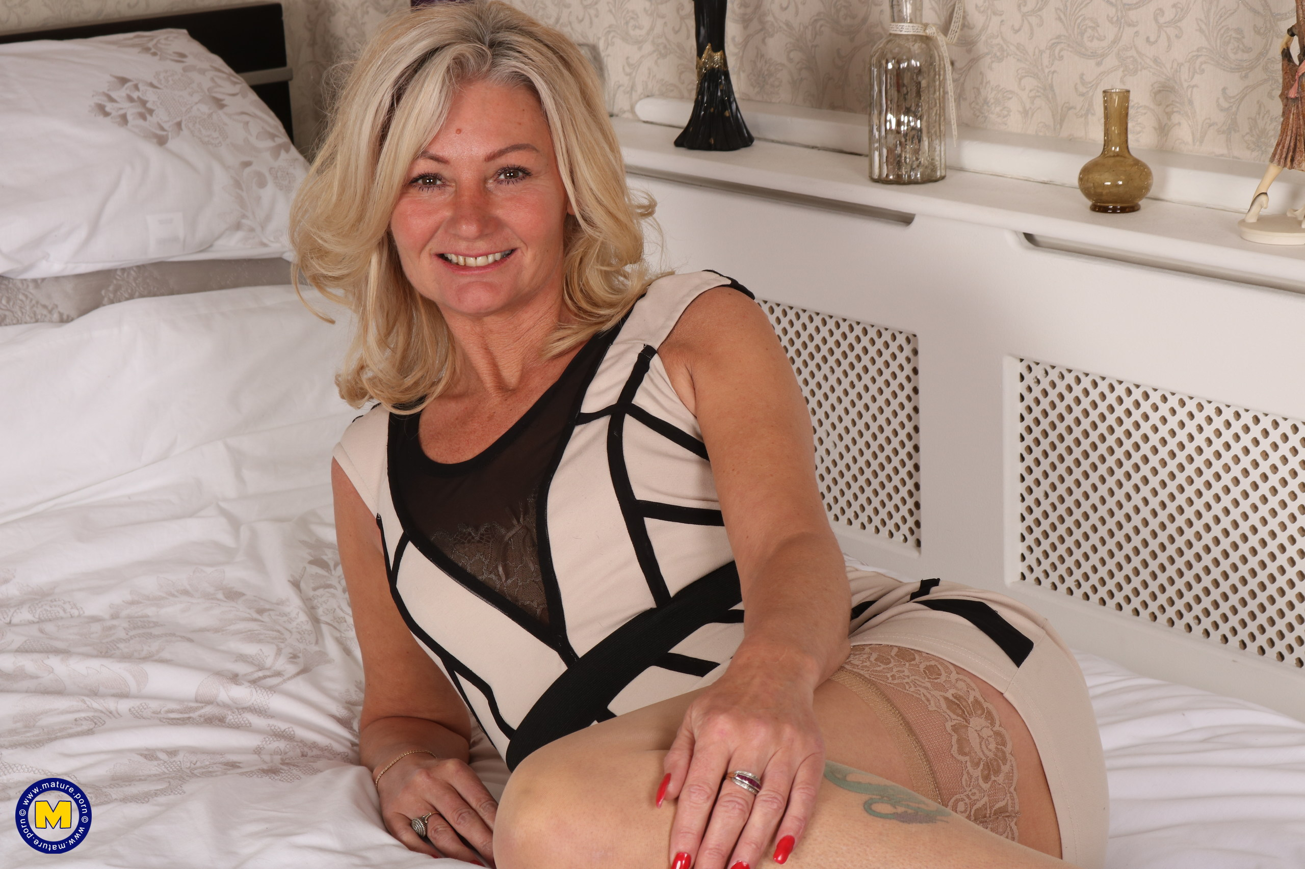 Fur covered Brit housewife toying with her bushy labia